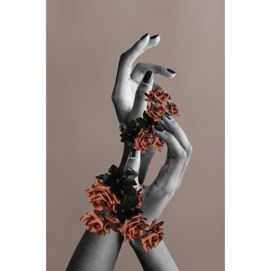 Quadro Abstrato - Mãos com Flores Artístico